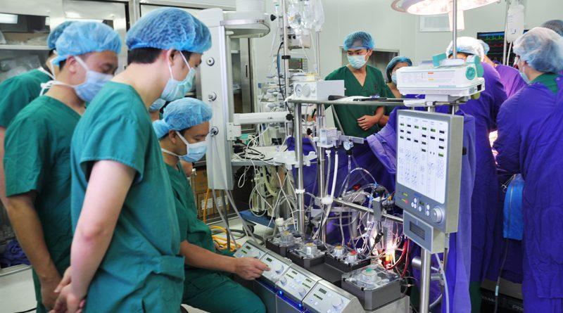 Dành nguồn lực đầu tư cho phát triển y tế