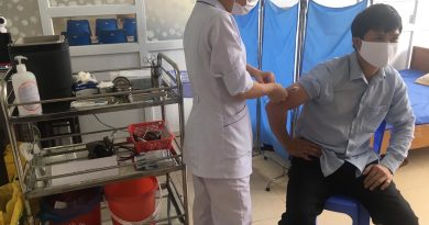 Trung tâm Y tế huyện Ba Chẽ: Triển khai Tiêm vắc xin phòng Covid-19 cho cán bộ, nhân viên đơn vị
